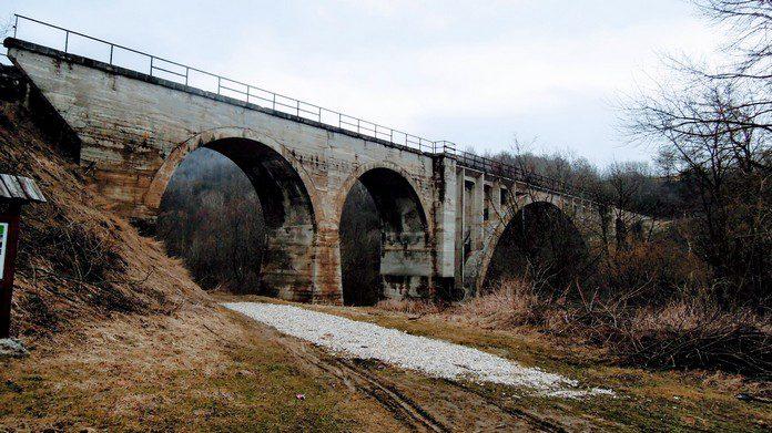 Koprašský tunel a viadukt