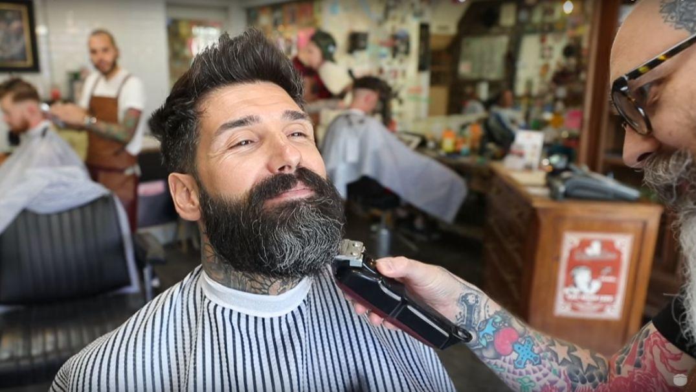 muž sa oholil po siedmich rokoch kvôli tetovaniu Carlos Costa