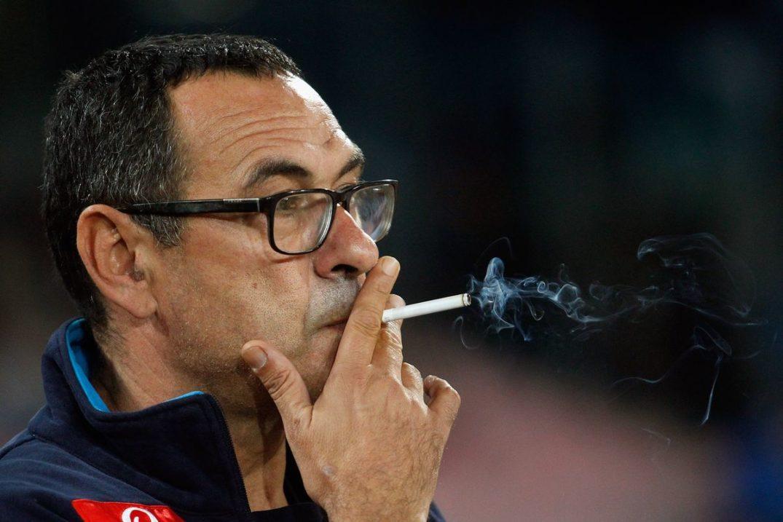Tréner Chelsea fajčí